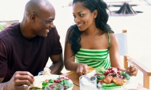 black-couple-eating-salad1