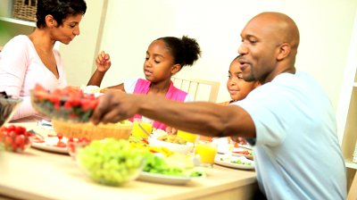 eating healthy family